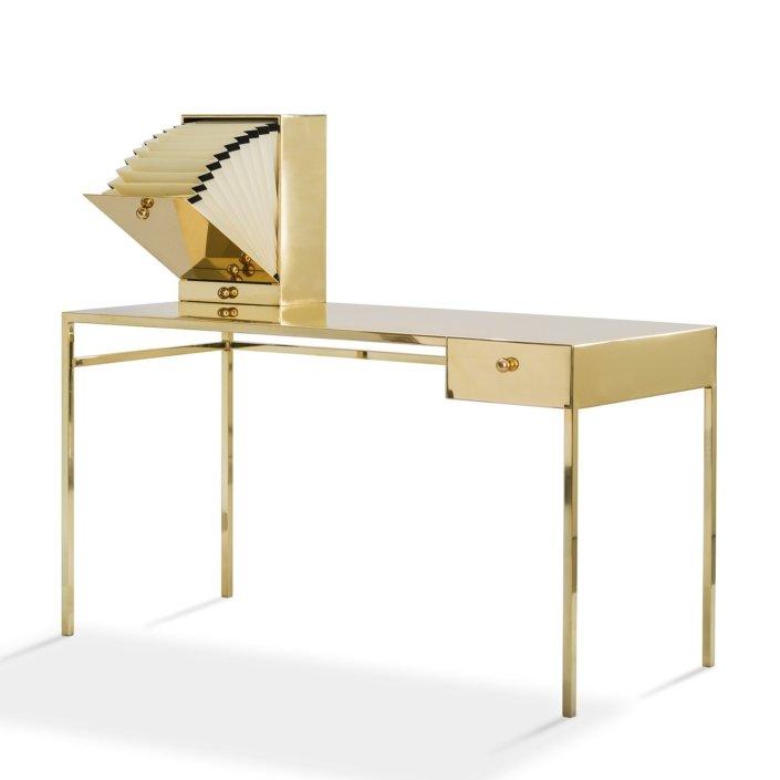 Nika Zupanc - Naked Desk