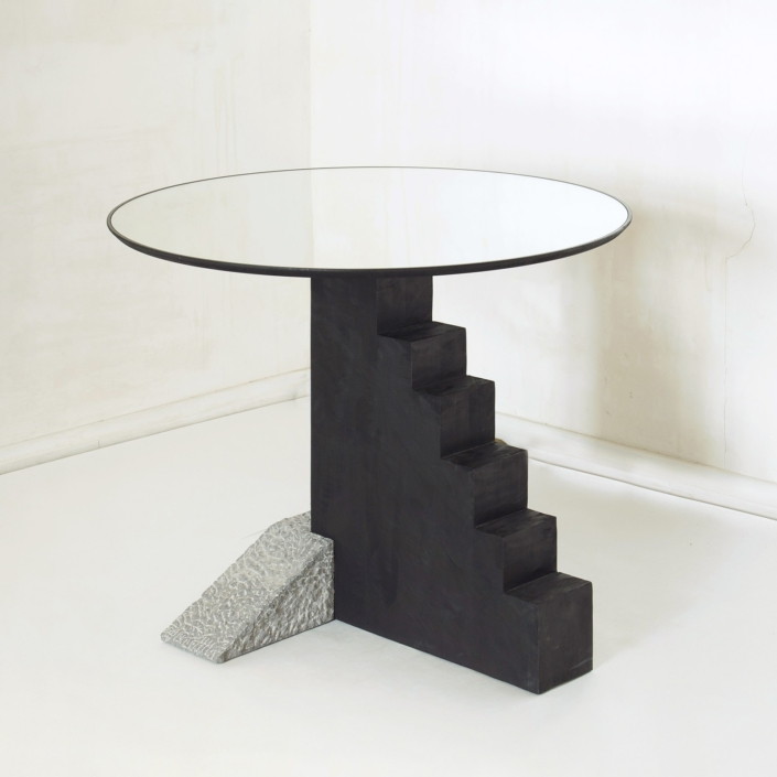 Rooms - Round Staircase Table