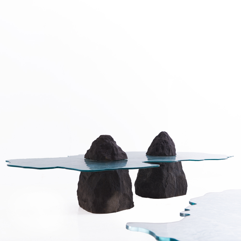 Cypraea - Ile Rodrigues low table in lava stone