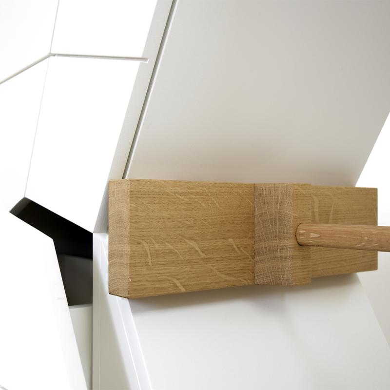 Studio Pin - Stuck Orizontal